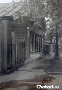 The Kostroma home of Roza Melamed's father, Reb Yerachmiel Kugel, where the Previous Rebbe was hosted duirng his exile.