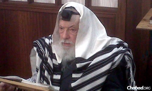 A spellbinding orator, hundreds flocked to hear Rabbi Bernhard's sermons on a wide range of topics.