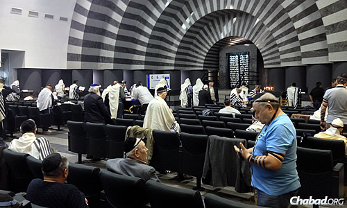Shacharit (morning services) at the Golden Rose synagogue.