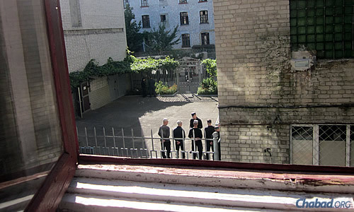 An outside courtyard of Kharkov's Corrective Labor Colony No. 18. Chabad Rabbi Levi Raices has been visiting this prison and others in Ukraine for the past 20 years. (Photo: Dovid Margolin)