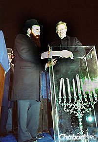 Rabbi Shemtov in 1979 with President Jimmy Carter at the first menorah-lighting on the White House Lawn.