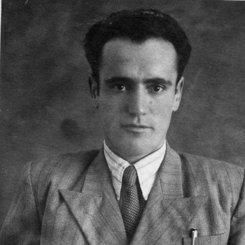 גבריאל סעידוב כמורה בבית הספר הקומוניסטי