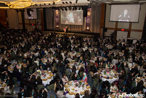 Thousands of women emissaries and lay leaders from around the world gathered at a gala banquet at the New York Hilton in New York City—the apex of four days of events as part of the annual Kinus Hashluchos, the International Conference of Chabad-Lubavitch Women Emissaries. (Photo: Michal Weiss/Kinus.com)