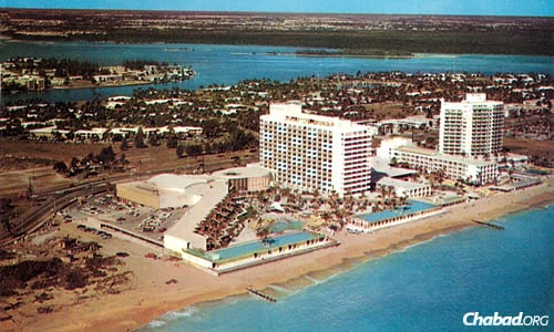 Bal Harbour, Fla., just north of Miami Beach: At left is the Americana Hotel, next to it is the low-lying Balmoral, both Jewish-owned, and next to that is the Sea Isle, a high-rise that was restricted to Jews when this image was taken in 1960, the year Chabad Rabbi Avrohom Korf moved to Florida. (Photo: Copyrighted by and courtesy of the Bramson Archive, Miami)