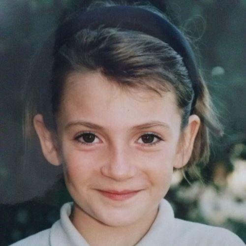 Anya as a young girl.