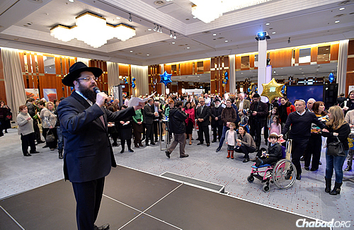 """Chabad Rabbi Yehuda Teichtal, rabbi of Berlin's Jewish community, welcomed the crowd gathered at the InterContinental Berlin on Sunday for a kosher-food exhibition, saying: """"We are here, we are proud, and we want to share our culture and traditions."""""""