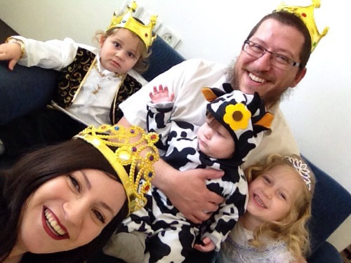 A family Purim photo