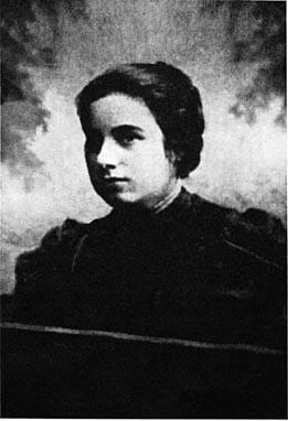 Rebbetzin Chana in her youth