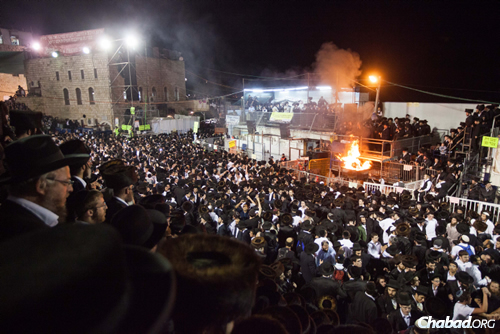 """Half a million people will gather in Meron, with bonfires, singing, dancing and Torah learning throughout the night, marking the passing of Rabbi Shimon bar Yochai (known as the """"Rashbi""""), author of the Zohar, the seminal work of Jewish mysticism. (Photo: Flash90)"""