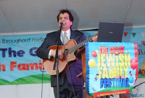 Israeli folk singer Yoel Sharabi sang the night away.