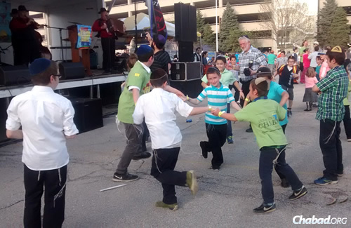 Still more dancing as the klezmer tunes kicked in.