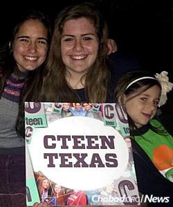 Au centre: Risa Mond de Plano, Texas