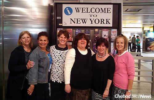 """Torah Sisters"" affiliated with Chabad of Greater St. Louis arrive in New York for their visit to the Ohel and Crown Heights, from left: Peggy Umansky, Debbie Barash, Julie Eisenberg, Shiffy Landa, Susan Scribner and Rhonnie Goldfader."