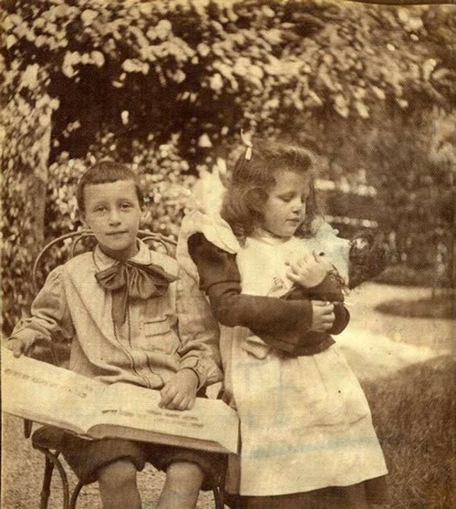 The children of Alfred Dreyfus, Pierre and Jeanne (dreyfus.culture.fr)