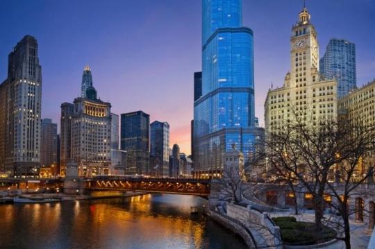 Chicago_skyline_night_Thinkstock-750.jpg