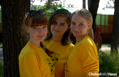 The first girls' summer camps opened in 1991. A recent picture from the girls' session at Gan Israel Moscow.