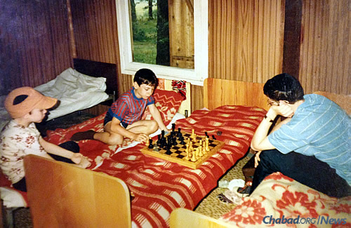 Chess in Moscow, 1990: Communication of the soul meant that staff and campers could interact in plenty of ways without necessarily speaking the same language. As the years went by, dedicated American staff picked up more and more Russian, many retaining the language to this day.
