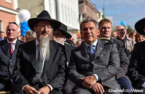 Lazar, left, and Minnikhanov (Photo: Eli Segal)
