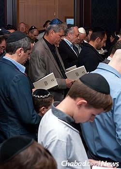 Rabbi Vishedski and his wife, Dina, spent Rosh Hashanah in Kiev with worshippers.