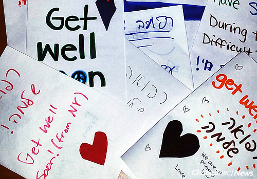 """At the """"Do a Mitzvah for Israel"""" day, students crafted cards and wrote notes to families of the victims and wounded in Israel. (Photo: Chabad of Binghamton)"""