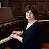 Pianist Shoshana Michel Expresses the Poignancy of Chassidic Melodies