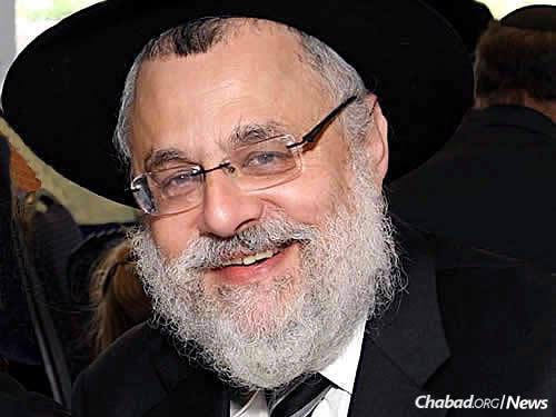 """Rabbi Shmuel Kaplan, chief Chabad-Lubavitch emissary to Maryland, has been airing a weekly program on Jewish.tv titled """"Discussions on Prayer."""" It reached a significant milestone with his class having surpassed 100,000 views."""
