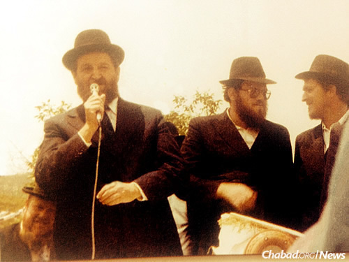 From left: Rabbi Nathan Yitzchak Oirechman of Akko, Rabbi Moshe Shmuel Oirechman of Chabad of the Krayot and Rabbi Shaar Yashuv Cohen, chief rabbi of Haifa