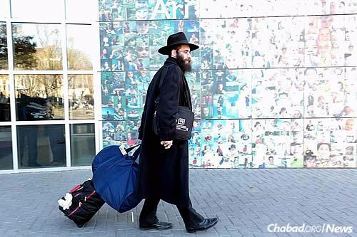 Some 5,200 Chabad-Lubavitch emissaries and guests will attend the annual International Conference of Chabad-Lubavitch Emissaries (Kinus Hashluchim) in New York, which takes place from Nov. 4 to Nov. 9. (Photo: Itzik Roytman, Kinus.com)