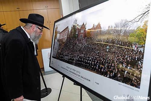 One tradition is the annual group photo taken in the Crown Heights neighborhood of Brooklyn, N.Y. Last year, that was accomplished using the help of a drone. (Photo: Itzik Roytman, Kinus.com)