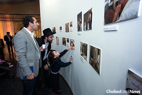Saad, left, and Rabbi Nissen Brenenson, the museum's education director (Photo: Meir Pliskin)