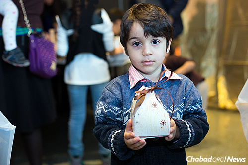 The completed lantern, which young participants gleefully took home. (Photo: Meir Pliskin)