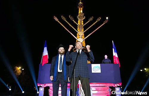 """Arnold Schwarzenegger, well-known actor and former governor of California, makes a guest appearance in Paris and wishes all a """"Happy Chanukah!"""" (Photo: Thierry Guez)"""