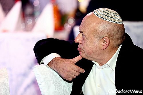 Guest speakers at the Moscow event, which drew 1,000 people, included former Soviet political prisoner and refusenik Natan Sharansky, today the head of the Jewish Agency for Israel.