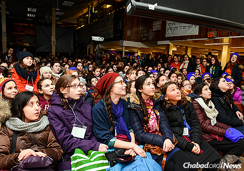 """The Kinus (Hebrew for """"conference"""") for Young Shluchos began in 1995 with 30 children. Each year, it has grown; this year, nearly 800 girls and 200 staff members are expected to participate with girls coming from as far as Cambodia, Thailand and Australia. (Photo: Baruch Ezagui)"""