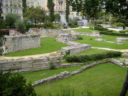 שרידים מעיר הנמל העתיקה בפרובנס (צילום: ויקיפדיה)