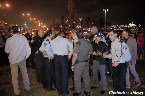 Officials in Israel at the scene of a terrorist attack near the Jaffa Marina, which lies adjacent to Tel Aviv. (Photo: Tomer Neuberg/Flash90)