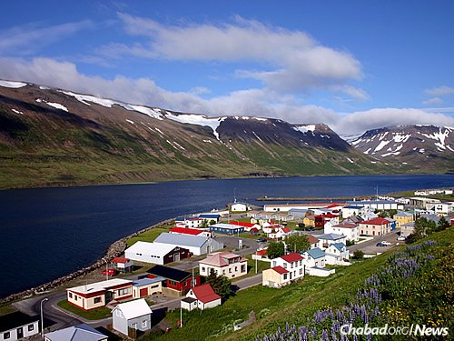 The Jewish community in Iceland has been getting visits the past few years from young rabbinical students, who hold Passover seders and other celebrations in the Nordic island nation. (Photo: Wikimedia Commons)