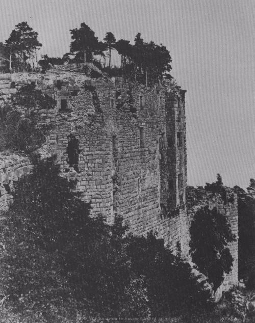 """הריסות טירת האוט קוניגסבורג במחוז אלזס, לא הרחק מאנזיסהיים. יתכן שהמהר""""ם הוחזק בטירה זו"""