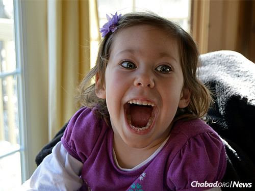 Raffle winner Charlize Schifsky, 4, from Minnesota