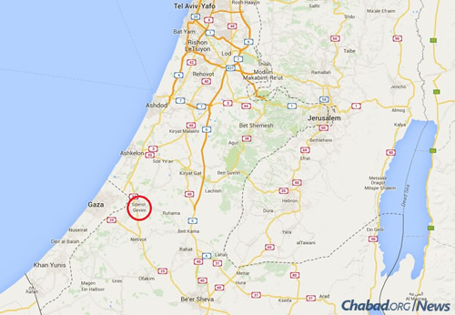 Sderot, circled, sits next to the Gaza border. Beer Sheva is located at the bottom center.