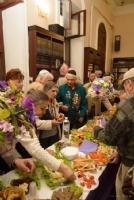 Внесение нового Свитка Торы в пансион «Мишпаха»