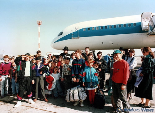 The Russian government was afraid of negative publicity it might receive as a result of children being rescued from its territory. So although the first flight had close to 200 children, later ones were purposefully smaller to avoid drawing the attention of local bureaucrats and politicians.