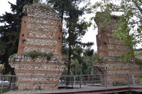 שרידי גשר מהתקופה הביזנטית באתונה. צילום: קרדו רדטו, ויקיפדיה