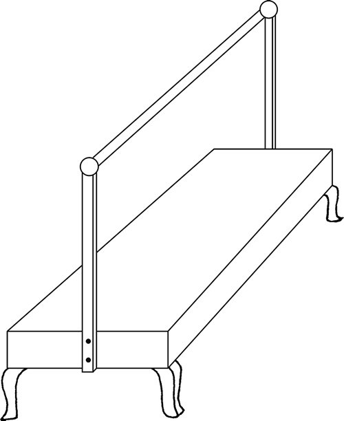 Fig. 8: Here, the vertical posts (naklitin) are connected by a single, narrow, horizontal rod (klonas). See sec. 627:5.