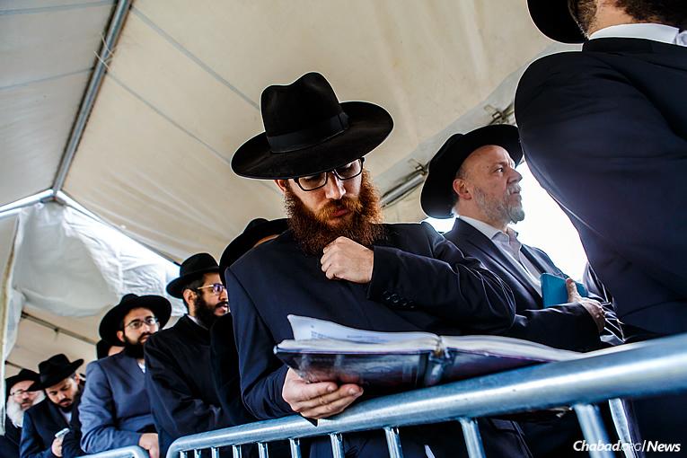 (Photo: Eliyahu Parypa/Chabad.org)