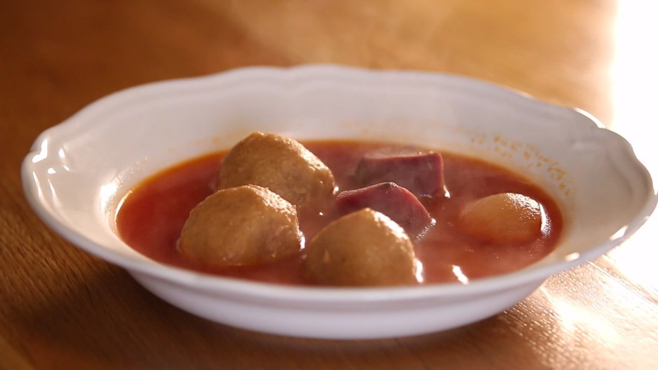 Kubbeh Soup - Iraqui Red Soup - Soup - Kosher Recipe