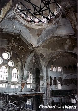 The Kharkov Choral Synagogue was returned to the Jewish community in 1990; it had been used as a sports arena under Communist rule. An arsonist later tried to burn the building down as well, which led to its reconstruction.
