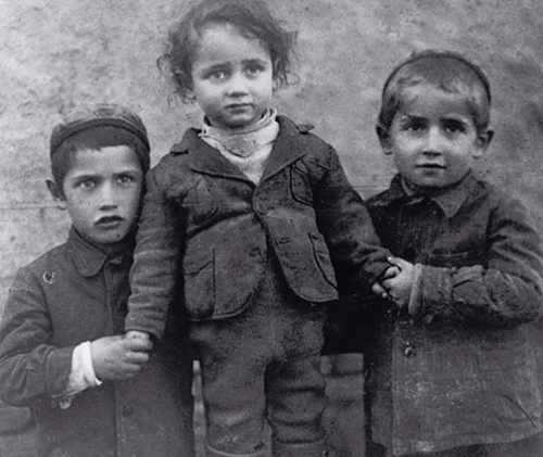 התמונה המשפחתית שנשלחה למחנה העבודה